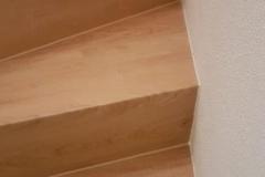 vinyl-belag-auf-treppe-geklebt-verlegen